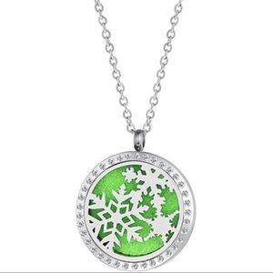 Jewelry - Aromatherapy Snowflake ❄️ necklace